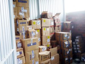 mercadoria-armazenada-box-self0storage-em-curitiba-vista-dentro-do-box