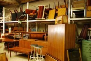 móveis armazenados em empresas de mudanças